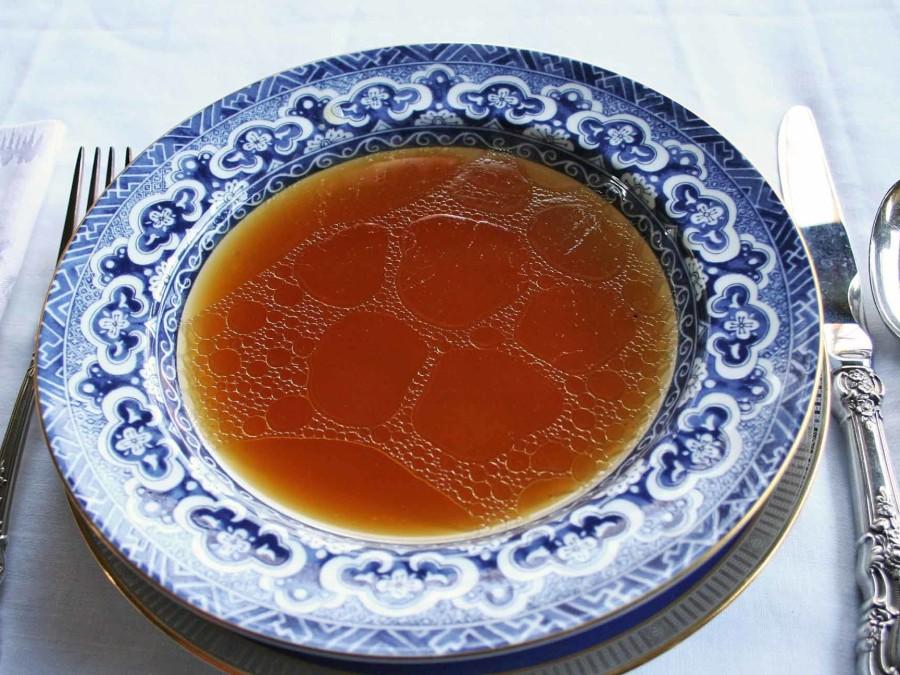 dorpssoep puur bouillon met lokale ingredienten